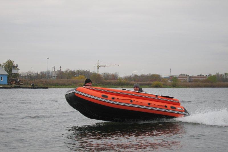лодка англер с фальшбортом